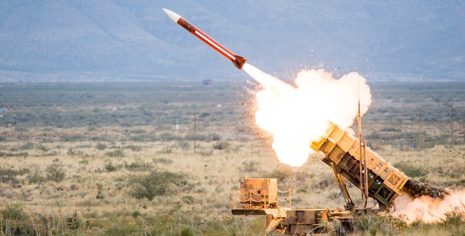 """Tên lửa Mỹ bị hạ """"rụng như sung"""" tại Syria: Tin được không? ảnh 2"""