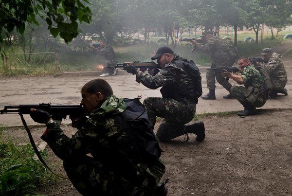 Ukraine ớn Nga thổi bùng lửa chiến ở Donbass ảnh 2
