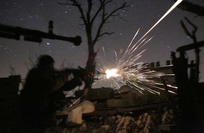 Ukraine ớn Nga thổi bùng lửa chiến ở Donbass ảnh 4