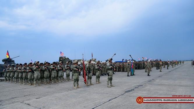 'Kề dao mạng sườn' Nga, NATO nguy cơ thổi bùng lên căng thẳng Nga - Georgia ảnh 1