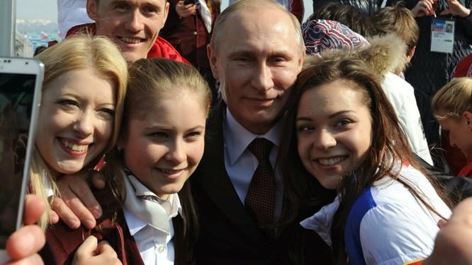 """V.Putin lèo lái đất nước: Giới trẻ muốn Nga thành siêu cường, không """"chơi"""" với Mỹ bằng mọi giá ảnh 5"""