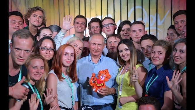 """Báo Mỹ: Putin khiến nước Nga """"vĩ đại lần nữa"""" ảnh 4"""
