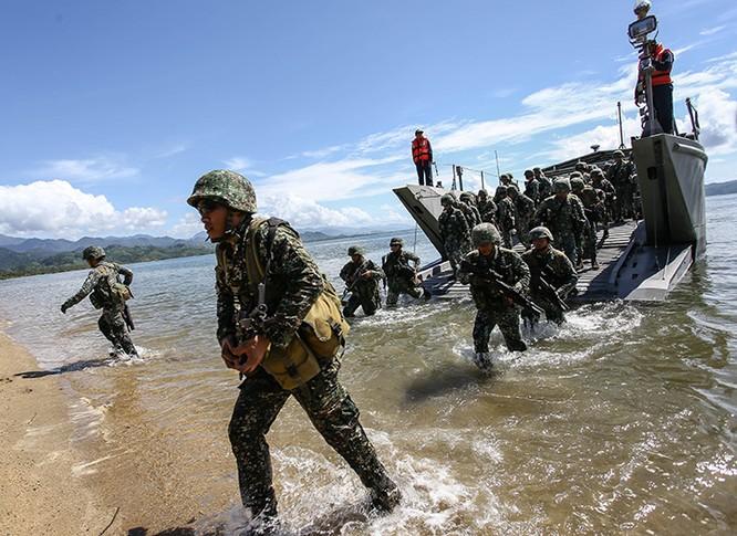 """Khuấy động Biển Đông, Trung Quốc giúp """"hâm nóng"""" tình đồng minh Mỹ-Philippines ảnh 5"""