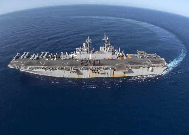 """Mỹ """"chơi rắn"""", ra tay khống chế đảo nhân tạo phi pháp Trung Quốc ở Biển Đông ảnh 3"""