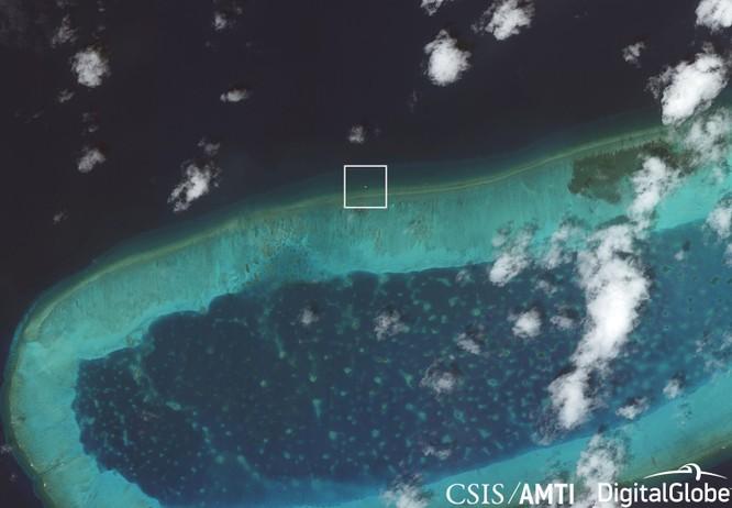 Trung Quốc lại xây dựng phi pháp trên Biển Đông ảnh 1