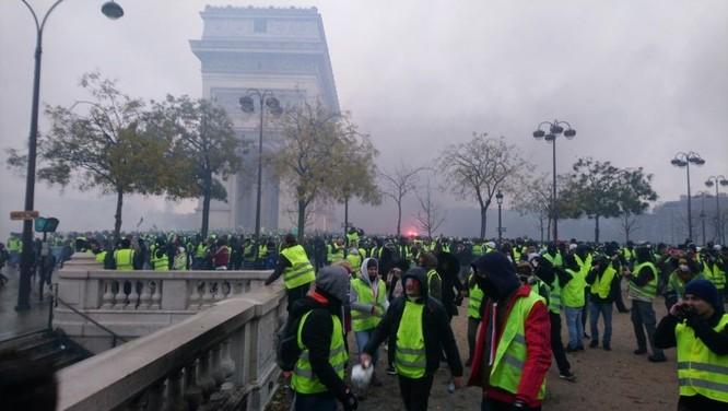 Tình trạng Gilê vàng bạo loạn tại Pháp mang ý nghĩa gì? ảnh 2