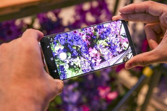 """6 smartphone có thời lượng pin """"khủng"""" nhất ảnh 3"""