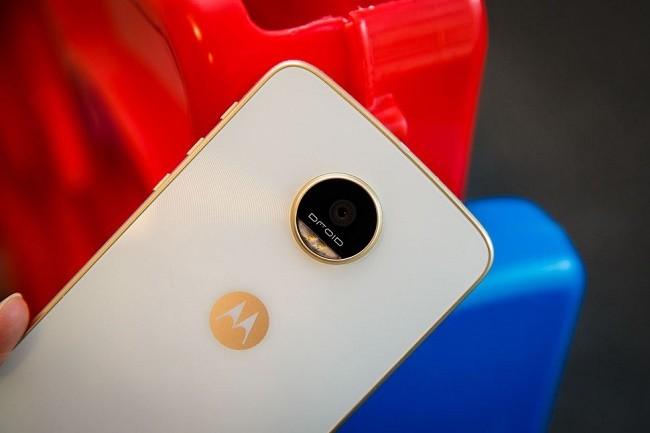 """6 smartphone có thời lượng pin """"khủng"""" nhất ảnh 4"""