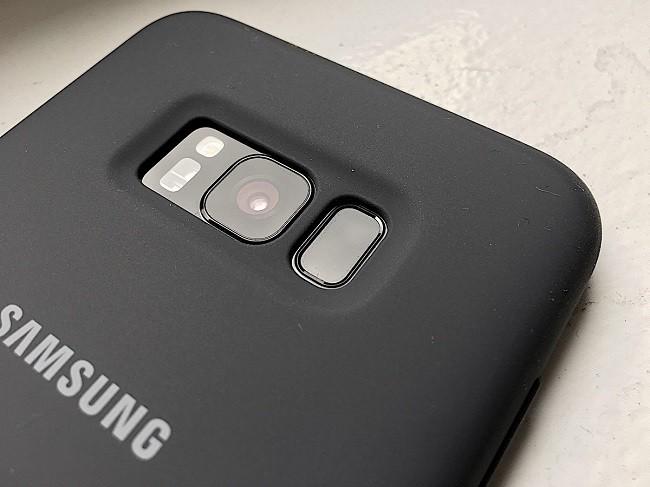 """Điện thoại """"trong mơ"""" kết hợp từ 8 smartphone khác nhau ảnh 4"""
