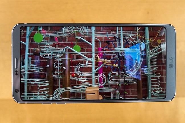 5 mẫu điện thoại không viền xuất sắc nhất ảnh 5