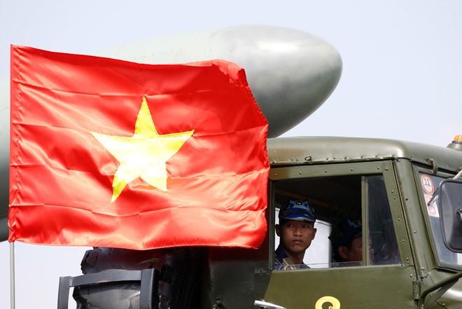 Hải quân Việt Nam ở quân cảng Cam Ranh (ảnh VNE)