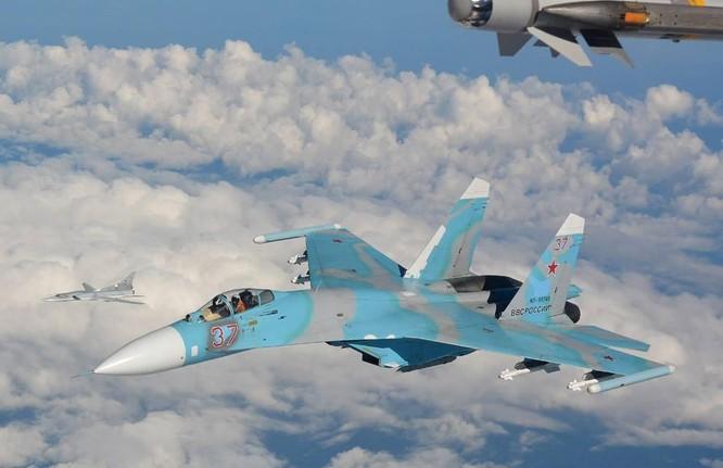 Tiêm kích Su-27
