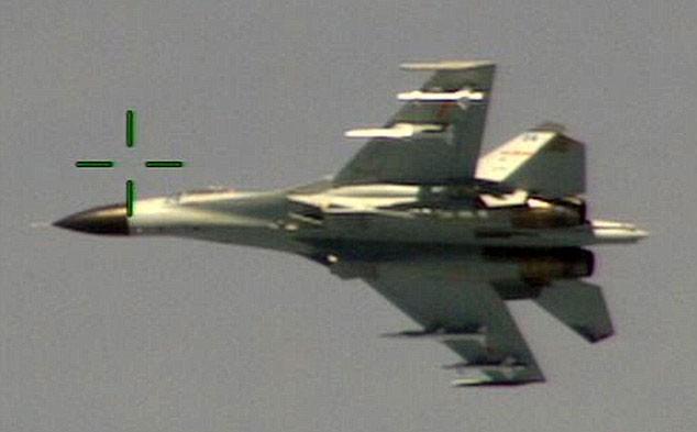 một chiến đấu cơ Trung Quốc đã bay qua một máy bay trinh sát Mỹ ở khoảng cách nguy hiểm.