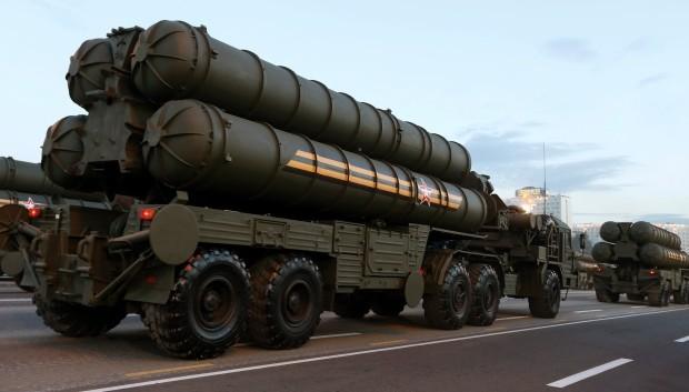Xe chở tên lửa của hệ thống phòng không, chống máy bay S-400