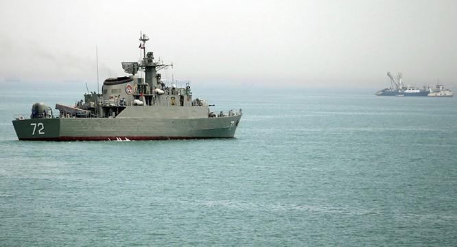 Iran dọa phong tỏa Eo biển Hormuz, chặn tàu chiến phương Tây ảnh 1