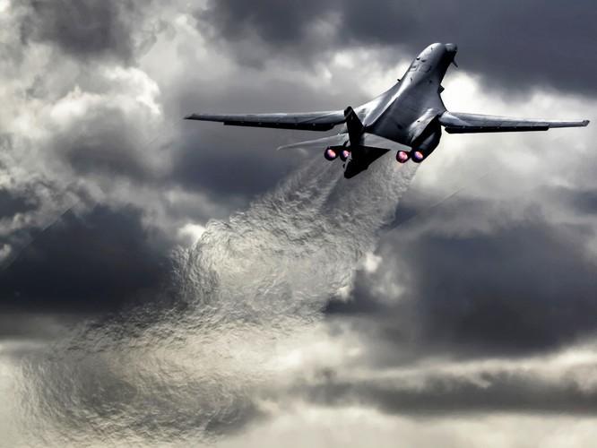 Máy bay ném bom B1B Lancer của Mỹ.