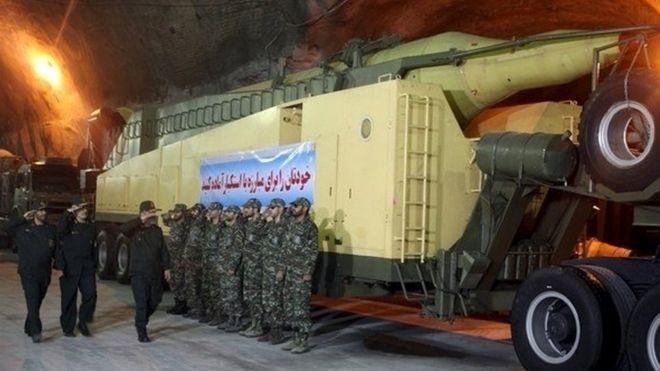 Iran tuyên bố thử thành công tên lửa đạn đạo tầm bắn 2000 km ảnh 1