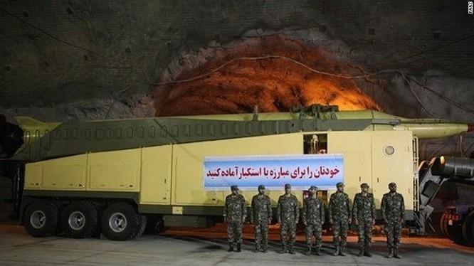 Một loại tên lửa đạn đạo của Iran.