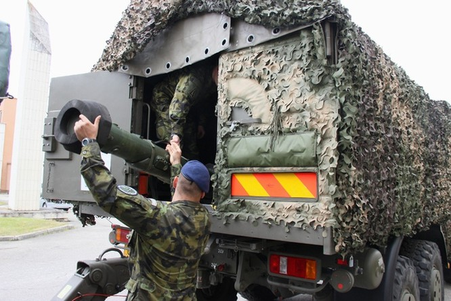 Vũ khí xuất hiện tràn ngập tại triển lãm quân sự lớn nhất Trung Âu ảnh 4