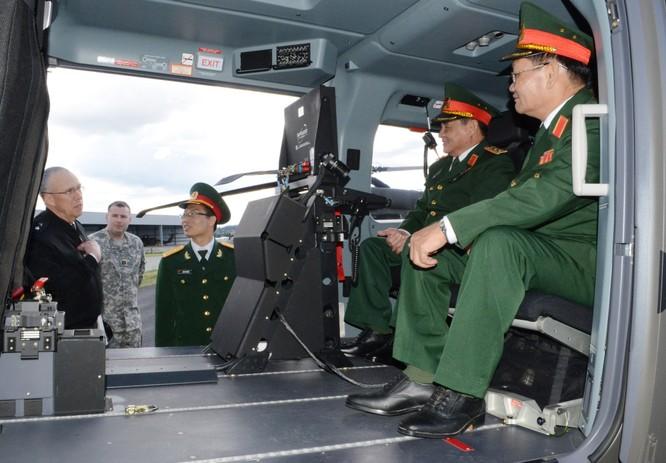 Các sỹ quan cấp cao của quân đội Việt Nam trong một chuyến thăm, công tác tại Hoa Kỳ.