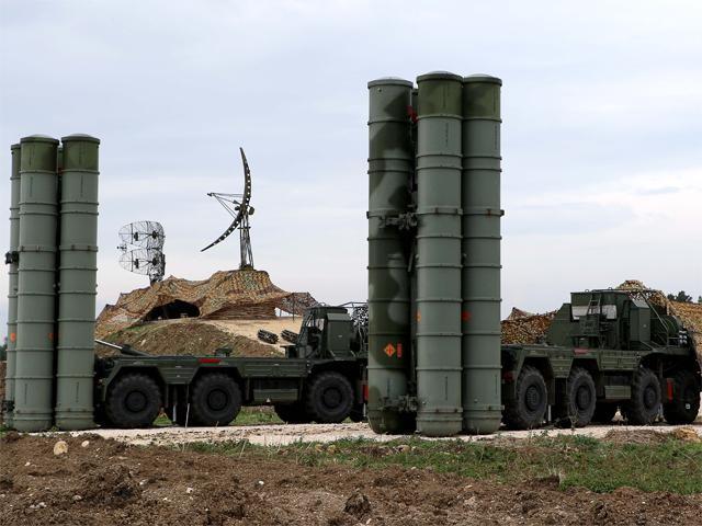 Ấn Độ đột ngột hoãn mua tên lửa phòng không S-400 của Nga ảnh 1