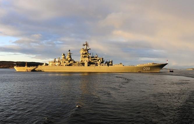 Tuần dương hạm Peter The Great.
