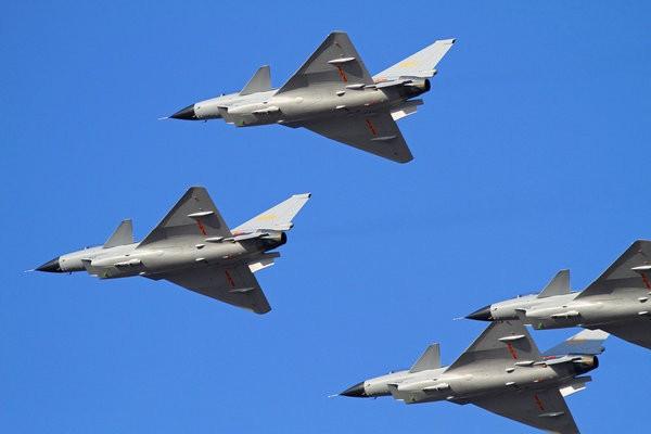 Máy bay chiến đấu J-10 Trung Quốc.