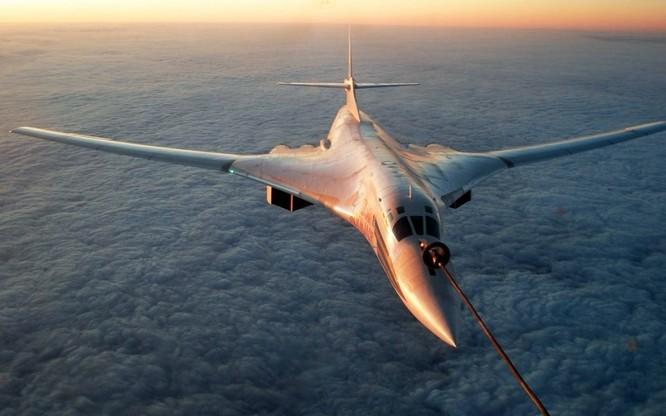 Máy bay ném bom Tu-160 của Nga.