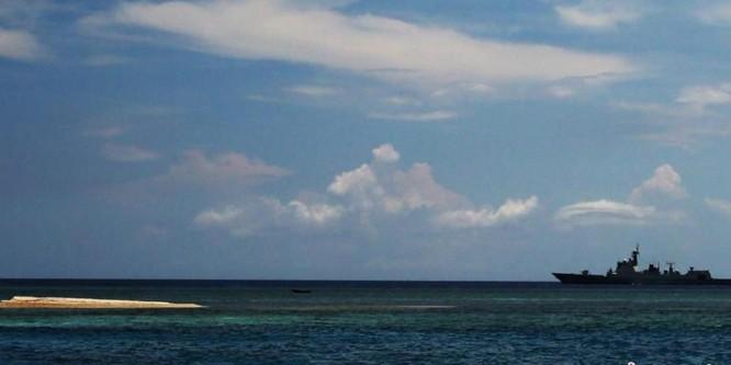 Từ ngày 8 - 9/5/2016, biên đội 6 tàu chiến Hạm đội Nam Hải, Hải quân Trung Quốc đã tiến hành tuần tra, tập trận bất hợp pháp ở vùng biển quần đảo Trường Sa, Việt Nam.