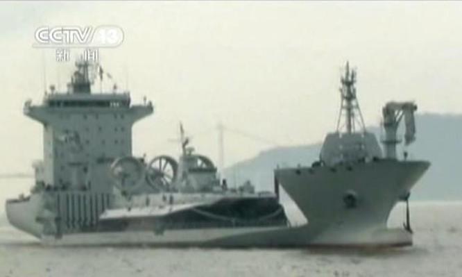 Tàu bán ngầm Quang Hoa Khẩu Trung Quốc lượng giãn nước 98.000 tấn. Nguồn ảnh: Thời báo Hoàn Cầu, Trung Quốc.
