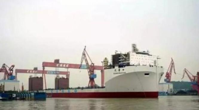 Tàu bán ngầm Quang Hoa Khẩu Trung Quốc hoàn thành chế tạo, hạ thủy ngày 28/4/2016. Nguồn ảnh: Guancha.cn