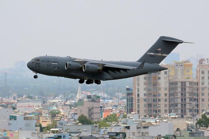 Mọi hoạt động của US Air Force ở nước ngoài đều được giám sát chặt chẽ bởi Bộ chỉ huy Phòng thủ Không gian Bắc Mỹ (NORAD).