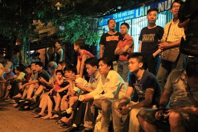 Người dân Việt Nam đón chờ chuyến thăm của ông Obama.