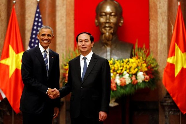 Tổng thống Mỹ Obama và Chủ tịch nước Việt Nam Trần Đại Quang tại Phủ chủ tịch.