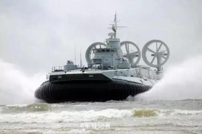 Trung Quốc bất ngờ công bố thông tin đưa tàu đổ bộ Zubr tập trận ở Biển Đông ảnh 3