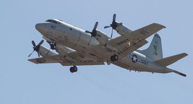 Máy bay tuần thám, săn ngầm P-3Orion.