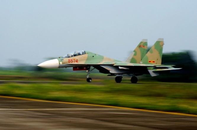 Máy bay chiến đấu Su-30MK2 của Không quân Việt Nam do Nga cung cấp.