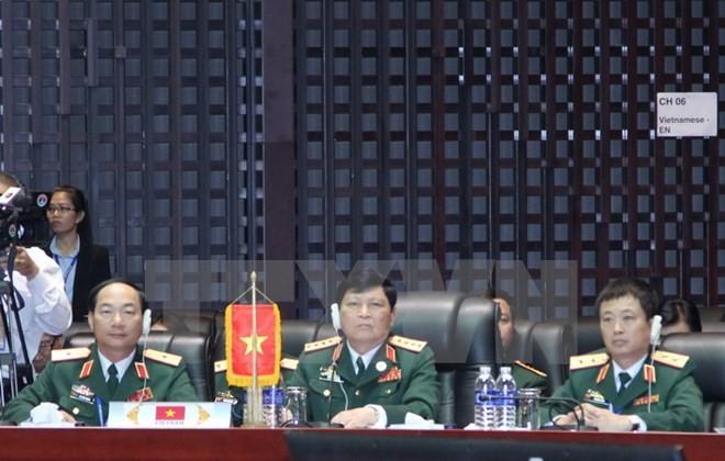 Đoàn đại biểu Quân sự cấp cao Việt Nam dự hội nghị Bộ trưởng Quốc phòng các nước thành viên ASEAN. (Ảnh: Nguyễn Chiến/TTXVN)