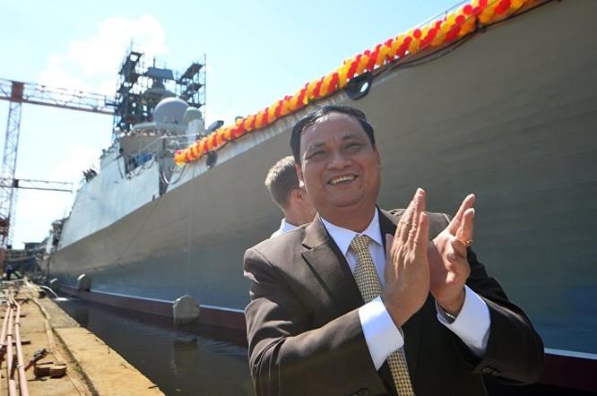 Phó Chính ủy Quân chủng Hải quân Việt Nam, Chính ủy Đinh Gia Thật (ảnh Sputnik).