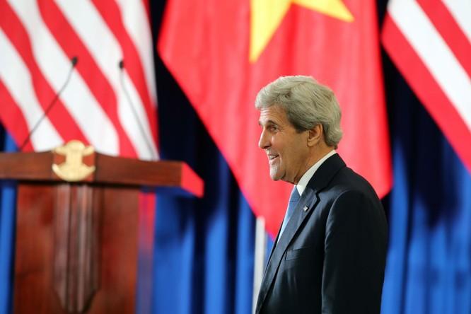 """Báo Nga: """"Mỹ đã cố gắng cải thiện thái độ của Việt Nam đối với Trung Quốc""""!? ảnh 1"""