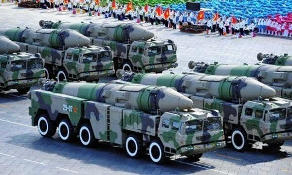 Tên lửa đạn đạo chống hạm Đông Phong-21D.