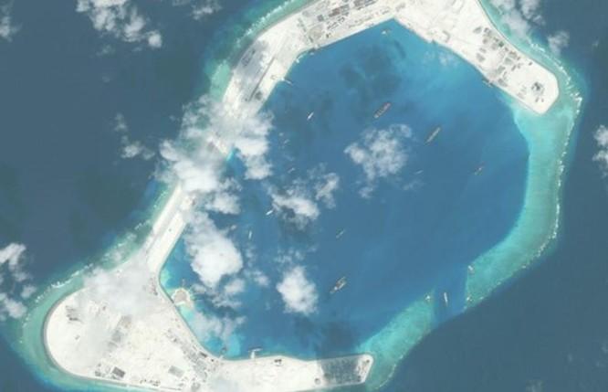 Đá Xu Bi thuộc quần đảo Trường Sa, Việt Nam; hiện bị Trung Quốc chiếm đóng bất hợp pháp. Nguồn ảnh: Người quan sát, Trung Quốc.