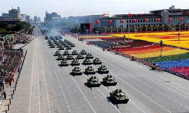 Duyệt binh quân sự ở Trung Quốc.