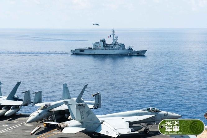 Ngày 3/5/2016, tàu hộ vệ FS Guepratte lớp Lafayette Hải quân Pháp đã gia nhập hành động Biển Đông với biên đội tàu sân bay Mỹ. Nguồn ảnh: Chinatimes Đài Loan.