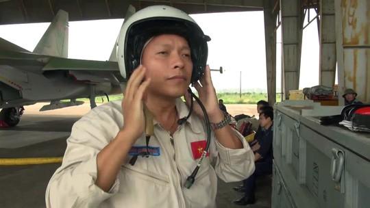 Hai phi công kịp bung dù khi máy bay Su-30MK2 bị sự cố, một phi công vẫn mất tích ảnh 12