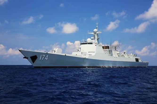Tàu khu trục Hợp Phì Type 052D Hạm đội Nam Hải, Hải quân Trung Quốc tiến hành săn ngầm ở Biển Đông. Nguồn ảnh: Chinatimes.