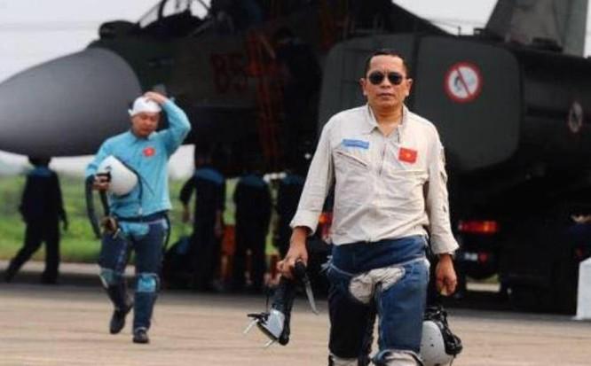 Thượng tá Trần Quang Khải, phó trung đoàn trưởng kiêm tham mưu trưởng trung đoàn 923, sư đoàn 371 .
