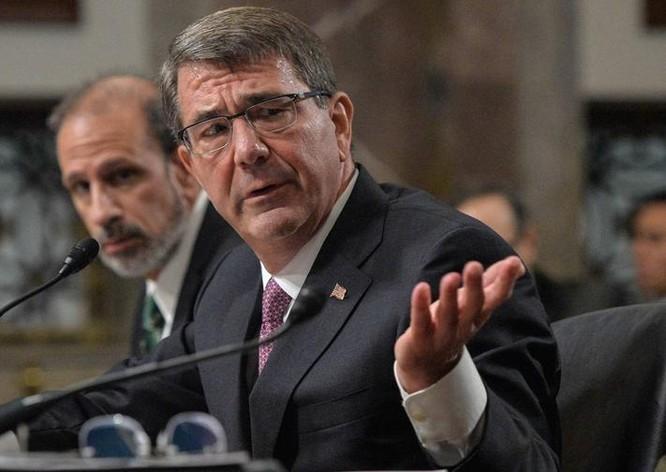 Bộ trưởng Quốc phòng Mỹ Ashton B. Carter.