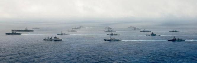 Mỹ, Nhật Bản và Ấn Độ tiến hành tập trận gây sức ép với Trung Quốc. Nguồn ảnh: Sina Trung Quốc.