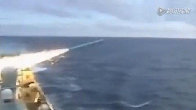 Trung Quốc ra sức tiến hành tập trận răn đe quân sự ở Biển Đông. Ảnh: Sina